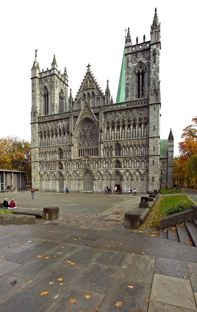 The Nidaros Cathedral fom around year 1100. Here is where our walk ended.